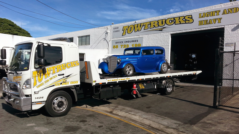 Gold Coast Towing with a Hot Rod
